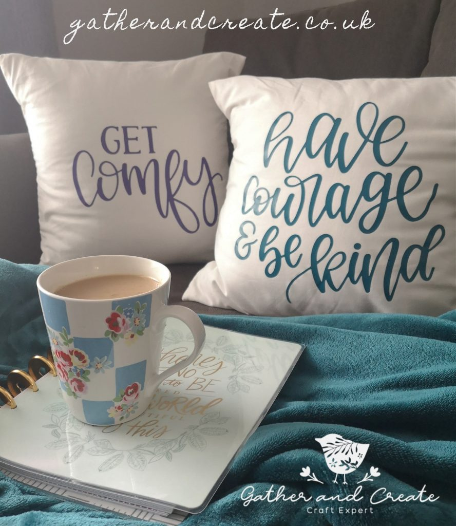 Handmade cushions with Cricut, throw pillows.