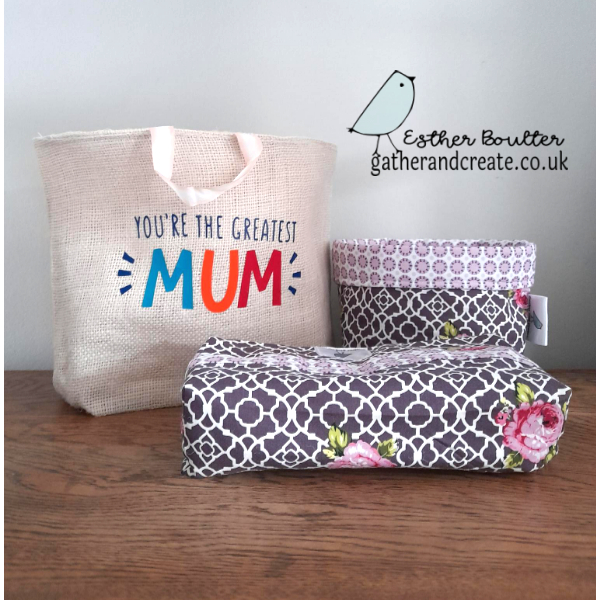 Handmade Gifts. Sewing Projects for beginners. Easy sewing projects for the home. Fabric Gifts to Make and Sell. Small Projects to Sew for Christmas. Mother's Day. Craft Tips